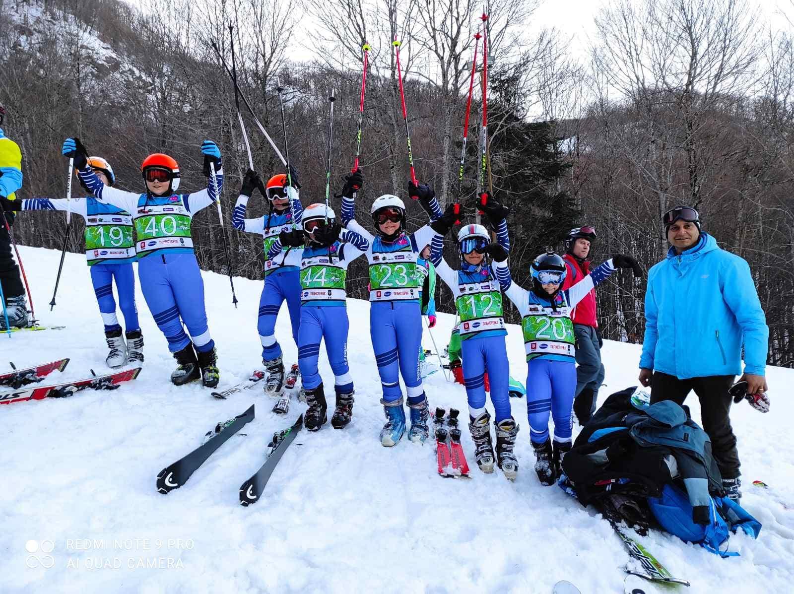 """The ski club """"Sharri Academy"""" participated in the competition organized in Mavrovo """"Nocna Snegullka"""""""